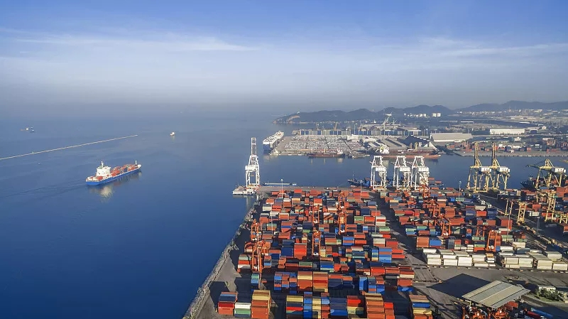 郑州通过铁海联运,搭建了一条全程、全域、全链条的物流大通道